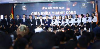 """Lễ ra mắt cuốn sách """" Chìa khóa thành công trong BĐS"""" – MC Văn Minh"""