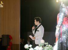Những nghiệp vụ MC tiệc cưới hiện đại bạn cần biết trước khi bắt đầu buổi lễ.